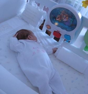 Desenvolvimento dos Bebês 1 a 6 meses e brincadeiras
