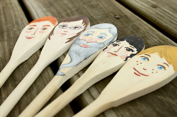 Painted-wooden-spoon-puppets1