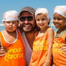 Virna Dias reúne famosos em Copacabana