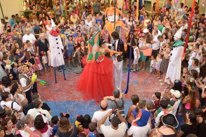 Carnaval no Via Parque Shopping