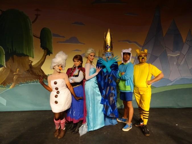 """Teatro: """"Os Aventureiros no Reino Congelado"""""""
