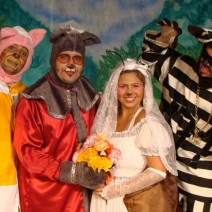 Teatro: O Casamento de Dona Baratinha